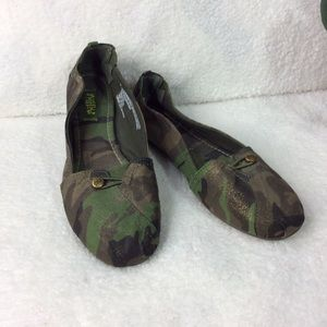 Camouflage Green Shimmer Flats Size 10